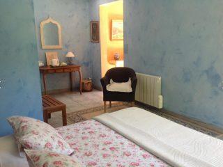 chambre plume, le prieure de mouquet Créon-Sadirac, chambre 1 lit double3, fr
