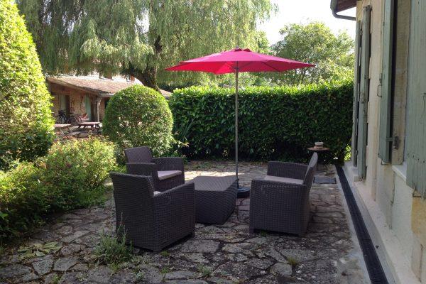 gite les hortensias, le prieure de mouquet Créon-Sadirac, terrasse, fr